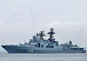 Russian Mariners Replenish Supplies in Pacific