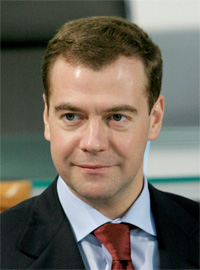 Medvedev urges completion of aircraft carrier for India